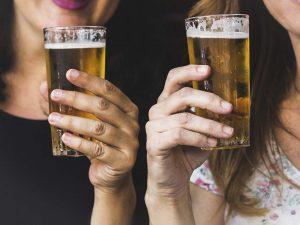 Salud con cerveza