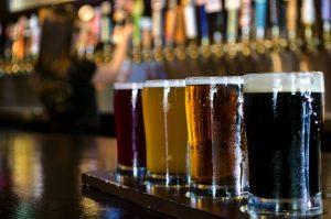 etiqueta de cerveza artesanal recomienda como beberla