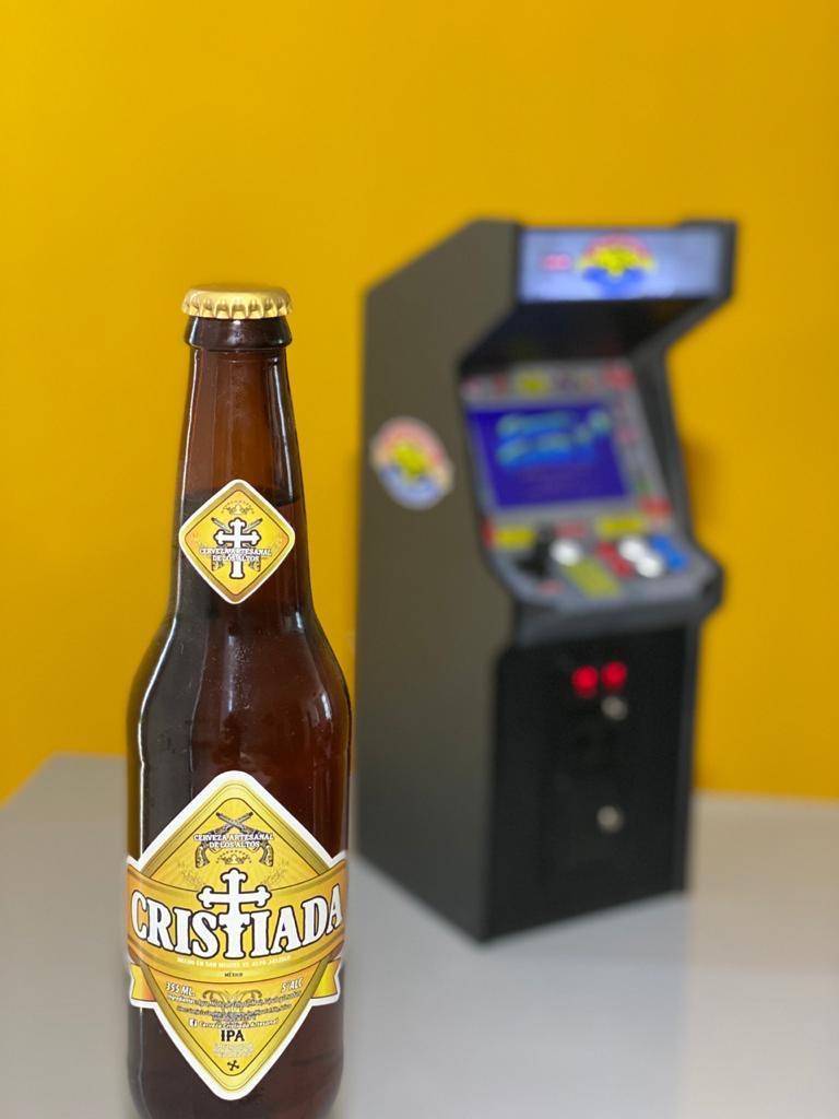 Cerveza artesanal y arcade bar